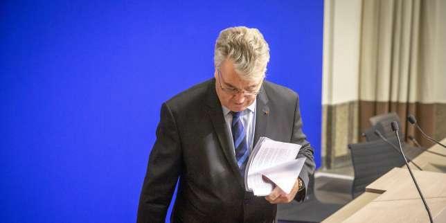Transparence: Jean-Paul Delevoye déclare finalement treize mandats et regrette «une erreur»