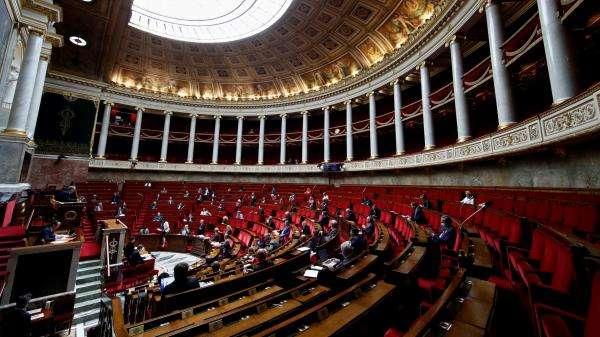 La République en marche perd la majorité absolue à l'Assemblée nationale après la création d'un neuvième groupe politique