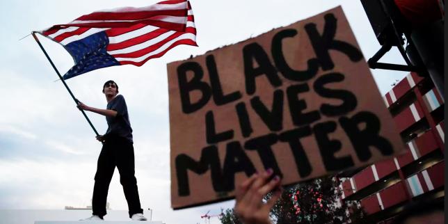 Mort de George Floyd : couvre-feux et affrontements entre policiers et manifestants se multiplient dans les grandes villes américaines