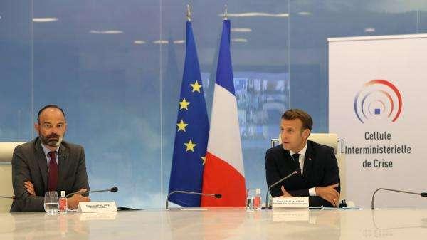 La popularité d'Emmanuel Macron stagne, celle d'Edouard Philippe en hausse selon un sondage