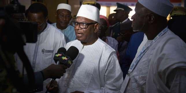 Au Mali, la chute et les remerciements du président Ibrahim Boubacar Keïta