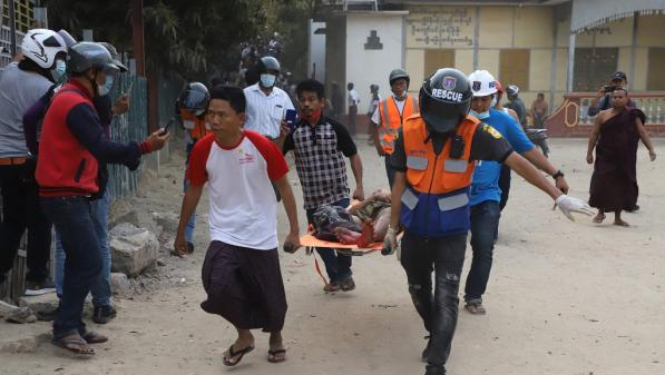 Birmanie : suite au coup d'État, la violente répression des manifestants s'intensifie