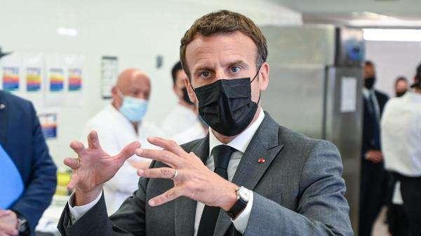Emmanuel Macron giflé : six questions sur l'agression subie par le président de la République