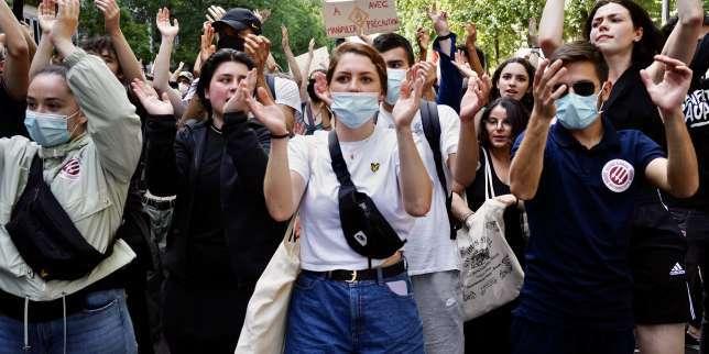 «Marche des libertés»: à Paris, toute la gauche défile contre l'extrêmedroite dans une ambiance bon enfant